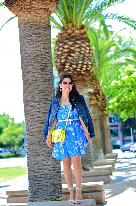 Anthropologie Pilcro Avie denim jacket and Alice Olivia Rhi print tank dress and Steve Madden neon yellow cross body bag and Tibi ankle strap sandals and Oliver Peoples Annaliesse and sf fashion bloggers