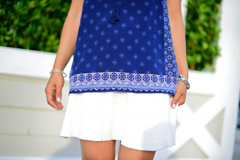 Joie Masha E navy blue border mixed print peasant top and Zara elastic waist white skirt
