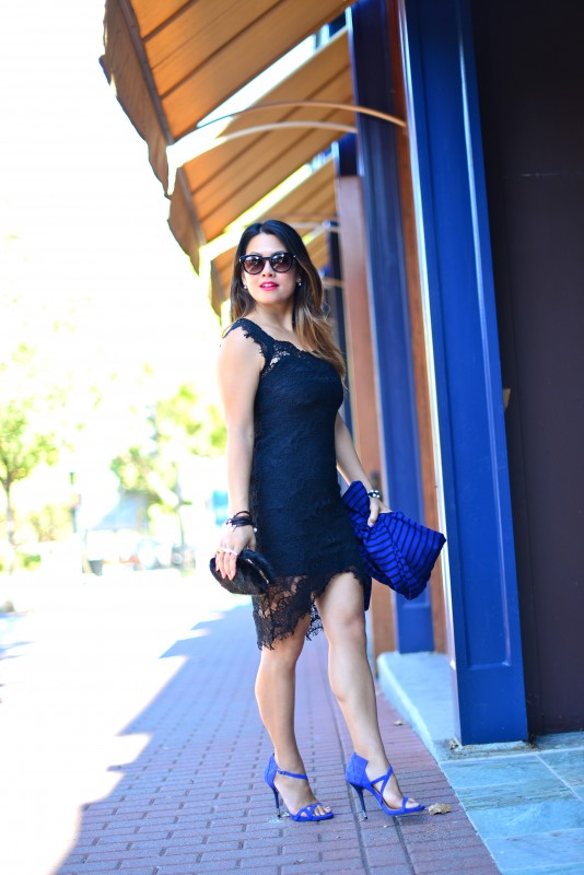 Lace sheath dress Free blue sandals