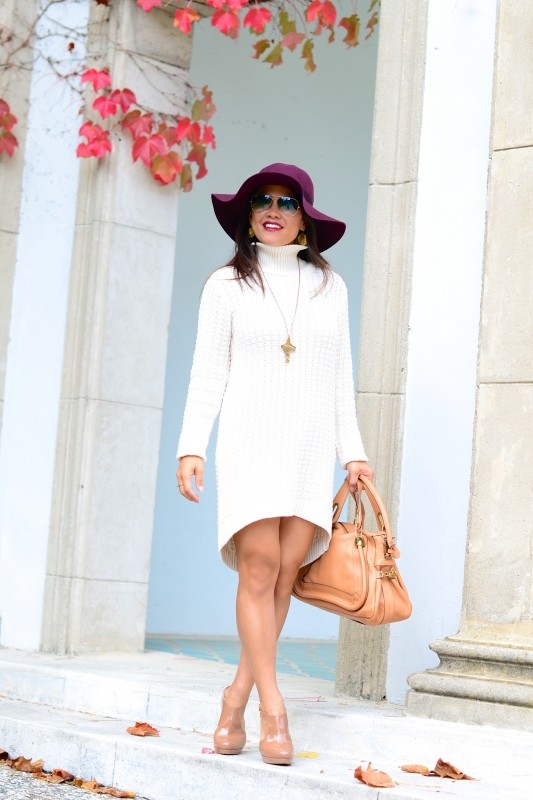 Chunky Sweater turtleneck dress and Fedora