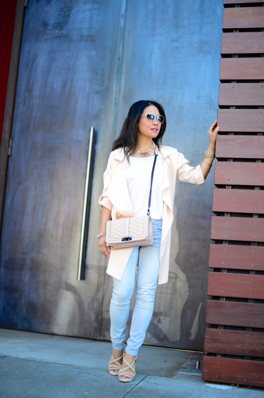 Casual summer outfit draped jacket and skinny jeans