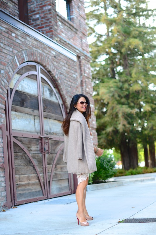 Neutral outfit cashmere open cardigan nude peep toe pump