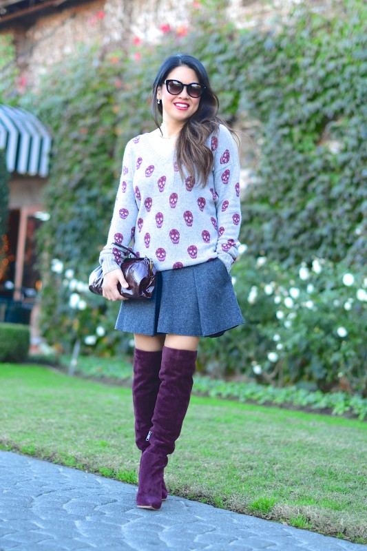Fall burgundy outfit Sweater Pleated skirt over the knee boots wavy long hair